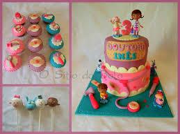 doc mcstuffins cake cupcakes and cake pops mais um bolinho