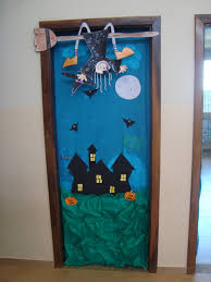 cool halloween door decorations images about halloween on pinterest ideas pumpkins and ghosts idolza