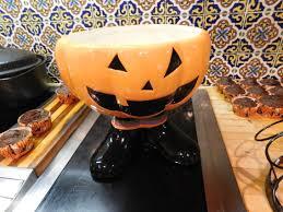 halloween cupcake display creating a halloween candy bowl cupcake bouquet u2013 the cupcake rack