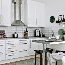 changer poignee meuble cuisine relooker une cuisine 8 astuces ooreka