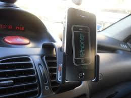 porta iphone per auto supporto per auto brodit per iphone 4 la recensione iphoner