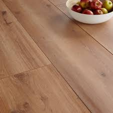 Laminate Flooring Oak Effect B Q Floor Varnish Colours Carpet Vidalondon