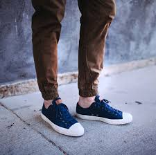 Pakai Sepatu Converse 7 sneakers that look better with jogger