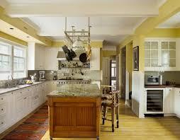 cuisine jaune citron jaune blanc et gris dans la cuisine frenchy fancy cuisine jaune