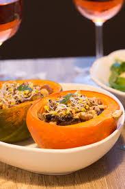 cuisiner le potimarron au four potimarron farci chignons marrons salade mâche grenade vegan