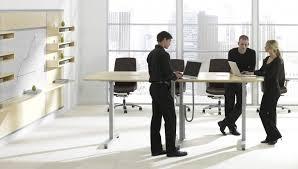 bureau pour travailler debout le travail debout assis simple tendance ou bénéfice réel mab profil