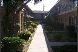 3 Bedroom House For Rent In Long Beach Ca The Southfield Apartments 5565 Ackerfield Avenue Long Beach