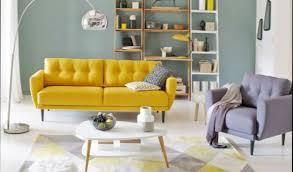 canap jaune la couleur jaune moutarde pour un int rieur chaleureux of salon