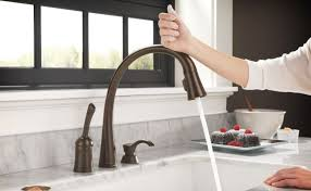 delta touch20 kitchen faucet delta touch20 kitchen faucet the touch sensitive delta touch2o