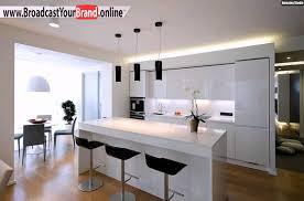 k che wei hochglanz wohnideen küche weiß hochglanz schwarze barhocker pendelleuchten