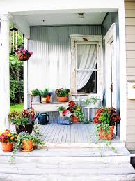 40 pieces of diy shabby chic decor for your home diy mismatched plants front porch