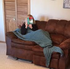mermaid blanket loom knitting pattern by dayna scoles