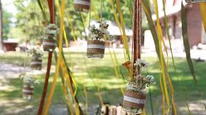 original wedding floral decoration in the form of mini vases and