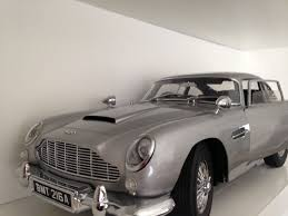 aston martin classic james bond collectable james bond aston martin db5 1 8 scale model forsale