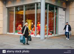 bureau de change manchester m s manchester uk 24th november 2017 marks spencers shoppers
