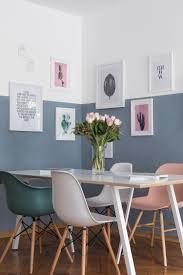 Esszimmer Farbgestaltung Wand Halb Blau Gestrichen Mit Gerahmten Bildern Wohnen Pinterest