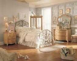 armoire vintage chambre la chambre vintage 60 idées déco très créatives