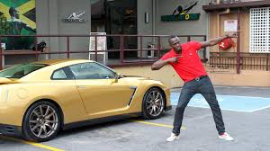 Nissan Gtr Yellow - usain bolt takes delivery of the nissan gt r spec bolt