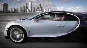 bugatti crash video watch what u0027s it like to drive the new bugatti chiron in miami