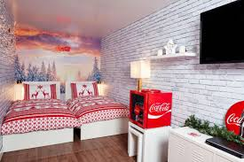 Coca Cola Can Six Flags You Can Now Have A Sleepover In The Coca Cola Truck London