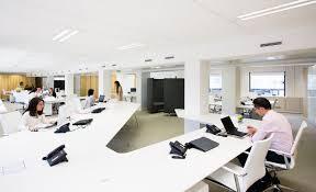 bureaux open space tables de bureau et banque d accueil esthederm