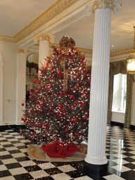 Christmas Decoration For Entrance by 2011 Decorating For Christmas Governor U0027s Mansion Serve It Up Sassy