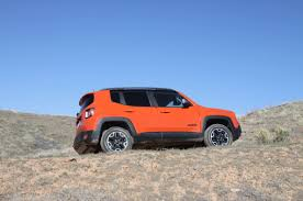 jeep renegade trailhawk lifted 2015 jeep renegade proves to be a real jeep