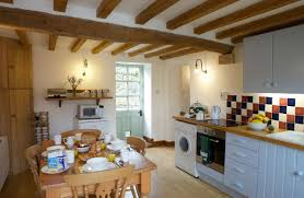 Kitchen With Dining Table Hope Cottage Holiday Cottages In Cotswolds