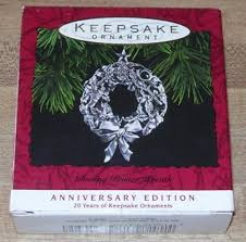 hallmark keepsake ornament 1993 glowing pewter wreath anniversary