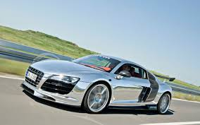 Audi R8 Gold - mtm creates the shiniest audi r8 ever with 777 horsepower
