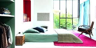 dans sa chambre comment mettre lit dans sa chambre beau pour images placer of