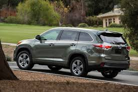 toyota highlander vs nissan pathfinder 2016 toyota highlander hybrid review is it worth the extra money