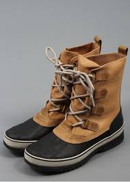womens duck boots canada 107 best boots images on boots duck boots