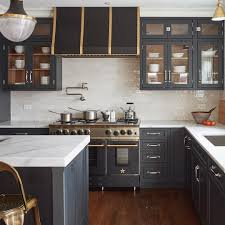 sherwin williams brown kitchen cabinets sherwin williams inkwell cabinets budget kitchen remodel
