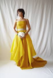 Yellow Dresses For Weddings 15 Yellow Dresses For Brides Who Want To Channel Their Inner Belle
