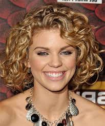 Best Hairstyles For Fat Faces 25 Best Curly Short Hairstyles For Round Faces Short Hairstyle