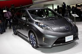 nissan leaf acenta review 2015 nissan leaf to get 135 mile range ecomento com