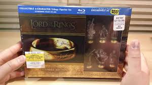 the lord of the rings best buy exclusive chess pieces u0026 blu ray