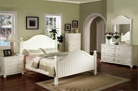 chambre en bois blanc design interieur idée originale tête de lit bois couleur blanche