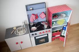 diy kinderküche diy kinderküche aus kartons teil 3 der kühlschrank paula