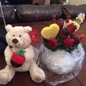 edible delivery edible arrangements 14 photos 15 reviews gift shops 5055