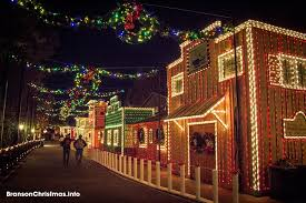 christmas lights in missouri the top 14 christmas towns in missouri
