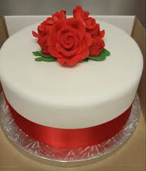 single tier white with red roses wedding cake u2013 chocolate earth cakes