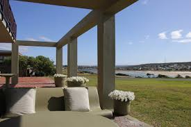 the buttercup beach front guest house