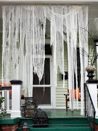 Diy Outdoor Halloween Party Decorations by Best 25 Indoor Halloween Decorations Ideas On Pinterest Spooky