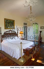 ernest hemingway u0027s bedroom in his home in cuba stock photo