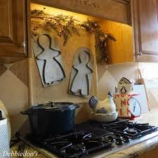 Crossroads Country Kitchen Christmas Decor In A Country French Rustic Kitchen Debbiedoo U0027s