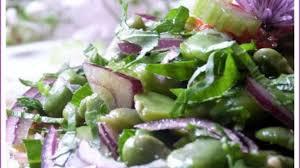 cuisiner les f钁es fraiches salade de fèves fraîches céleri branche et oignon sauce