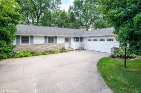 104 sheffield drive valparaiso in 46383 mls 420622 coldwell