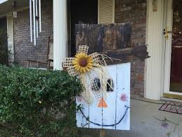 scarecrow halloween decorations how to make a pallet scarecrow tutorial youtube painted